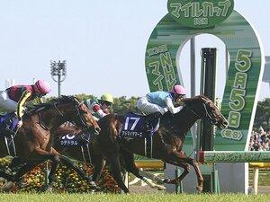 日米で起きた2つの降着の違いとは。競馬の世界標準ルールとアメリカ式。