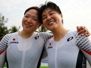 1台の自転車を2人でこいで銀メダル。鹿沼由理恵と田中まいは本当のペア。