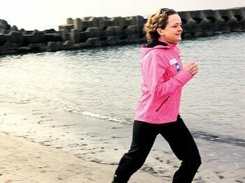 <フルマラソン、みんなのマイ・ルール> 北京五輪6位の外交官 マーラ・ヤマウチ 「ジョグはレースペースの85%で」<Number Web> photograph by Naoya Sanuki