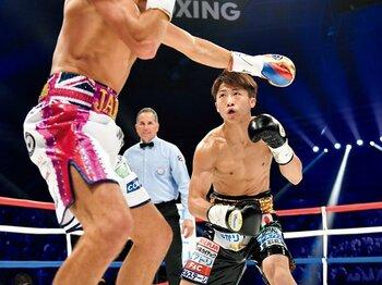 112秒TKO3階級制覇の衝撃。井上が常にハングリーな理由。~ボクシングの本質は「強い相手と戦いたい」~<Number Web> photograph by Hiroaki Yamaguchi
