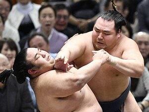 変化、張り差し、カチ上げが激減。大相撲3月場所で何が起こってる?