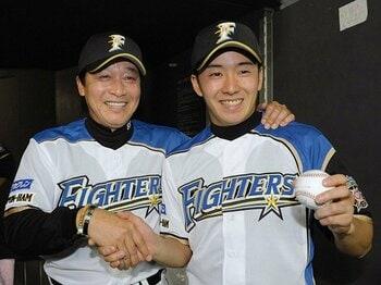 過大な夢を背負ってのプロデビュー。日ハム・斎藤佑樹の初勝利を考える。<Number Web> photograph by KYODO