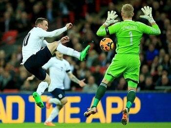 イングランドがW杯8強で満足の理由。期待薄の代表と、絶好調のルーニー。<Number Web> photograph by Getty Images