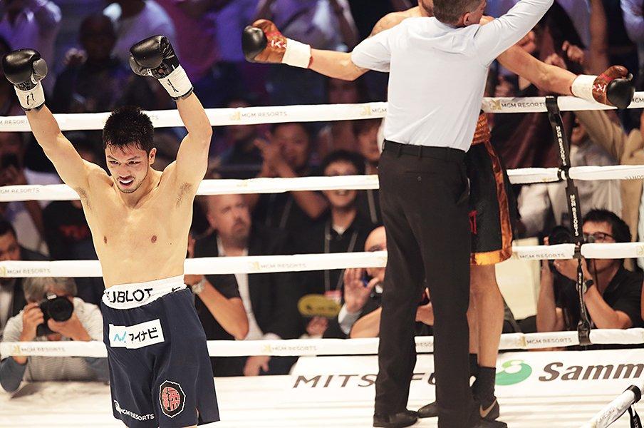 村田諒太を支える「親父と息子」。居場所はボクシング、逃げ場は……。<Number Web> photograph by Tsutomu Takasu