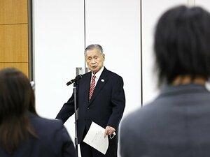 """「なぜ、誰も辞任させようとしないのか?」森喜朗会長""""女性蔑視""""発言問題、3つの素朴な疑問に答える"""