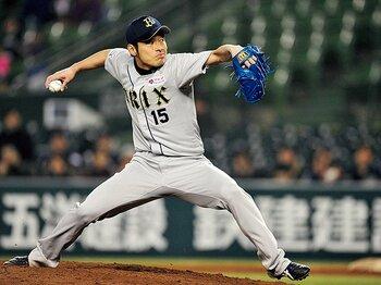 オリックスで際立つ佐藤達也の存在感。~剛球セットアッパー、意外な素顔~<Number Web> photograph by Hideki Sugiyama