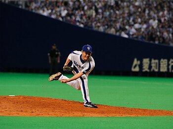 """日本シリーズ""""幻""""の完全試合。「ストッパー岩瀬の13球」を追う。<Number Web> photograph by Kyodo News"""