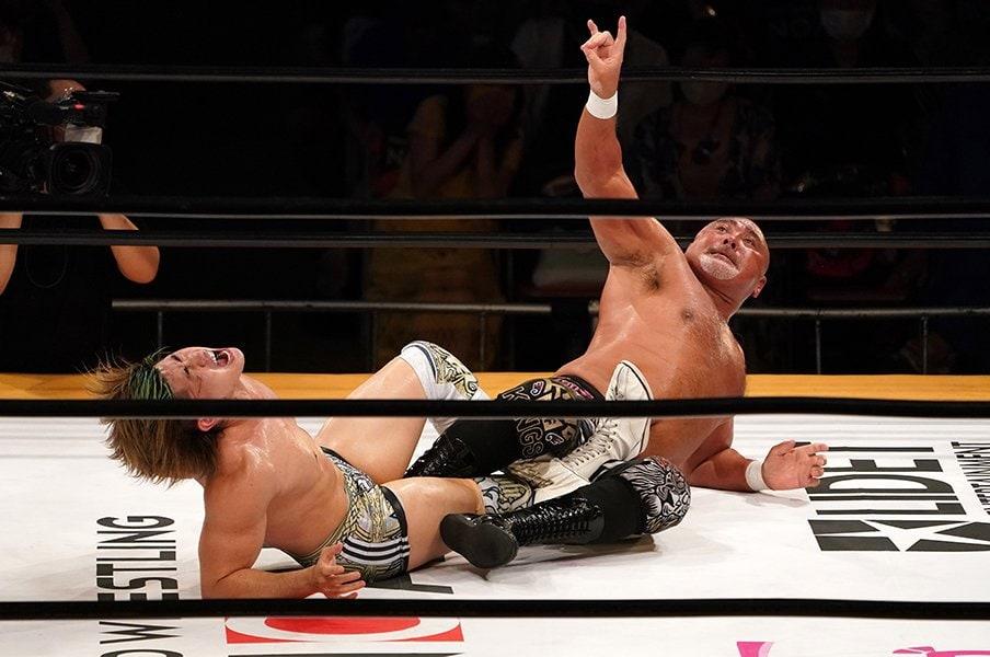 息子と同じ33歳差の初シングル対決。武藤敬司が清宮海斗に伝えたもの。