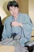 谷川浩司竜王に4連勝し、初めて竜王を獲得した際の藤井七段(当時) / photograph by KYODO