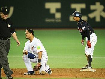 侍ジャパン、死闘を足攻で制す!!鳥谷の二盗が導いた台湾戦勝利。<Number Web> photograph by Naoya Sanuki