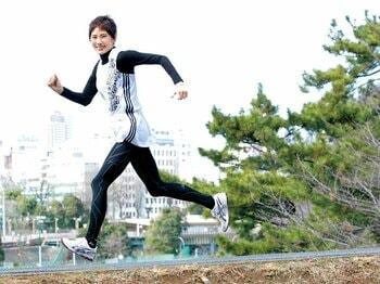 <私とラン> 秋野暢子 「初めてフルマラソンを走る人へ」<Number Web> photograph by Atsushi Hashimoto