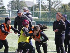 「エディ・セッション」で女子選手たちが学んだこと。~ラグビー日本代表HCが直接指導~