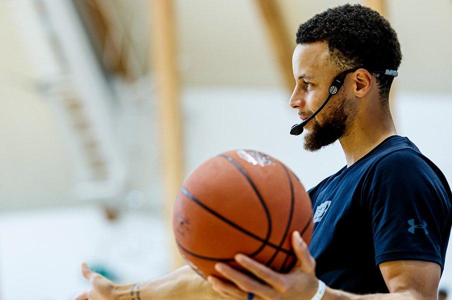 <NBAトッププレーヤーが高校生に告ぐ>ステフィン・カリー「未来は君たちの中にある」