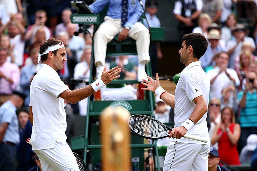 優勝したジョコすら羨むテニス人生。37歳のフェデラーは走り続ける。<Number Web> photograph by Getty Images