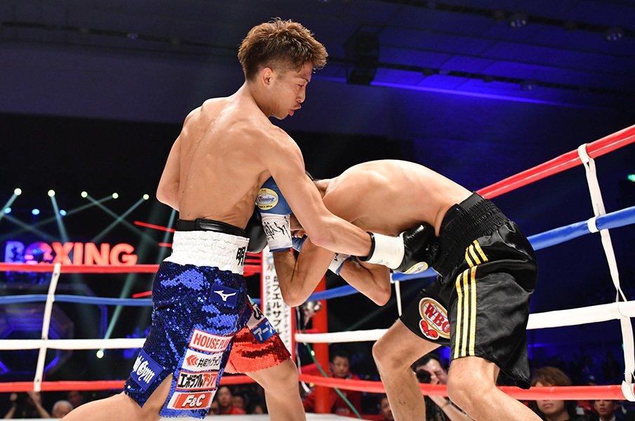 井上尚弥がスーパーフライ級を卒業。「ヒリヒリする試合」を求めて。<Number Web> photograph by Hiroaki Yamaguchi