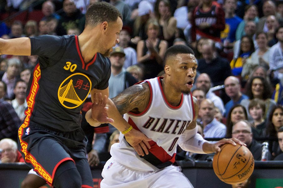 リラードはカリーのライバルになるか?NBAで勃発した「ブラザーズ戦争」。<Number Web> photograph by AP/AFLO