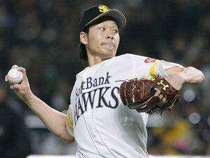 """「僕、毎試合投げ方が違うんですよ」武田翔太の投球の核は""""ケツをポン""""。"""