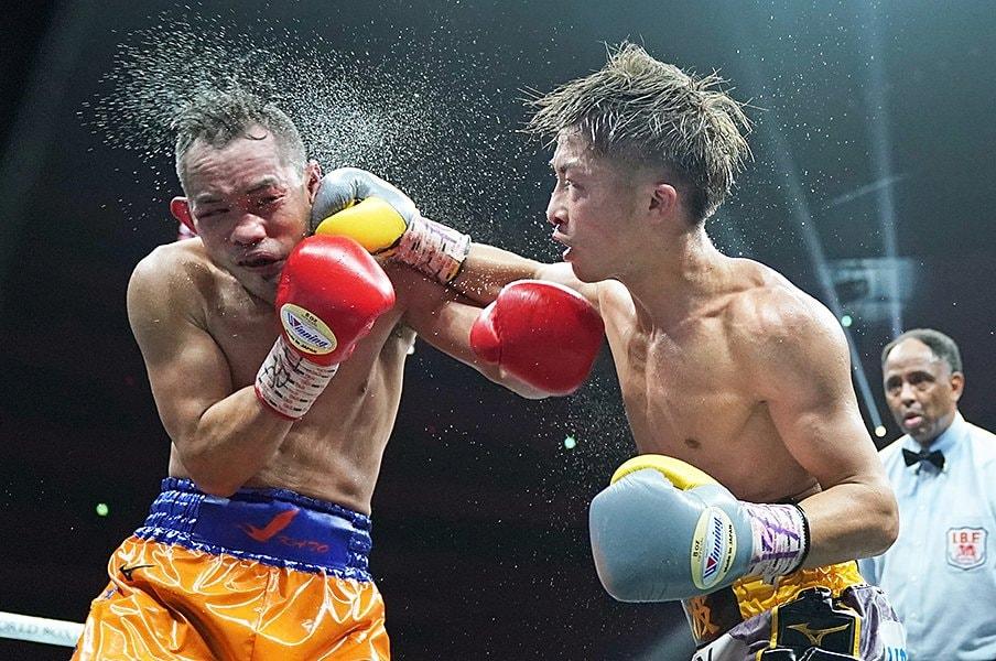 井上尚弥の左フックを読み切った、世界最高のボクシングカメラマン。<Number Web> photograph by Naoki Fukuda