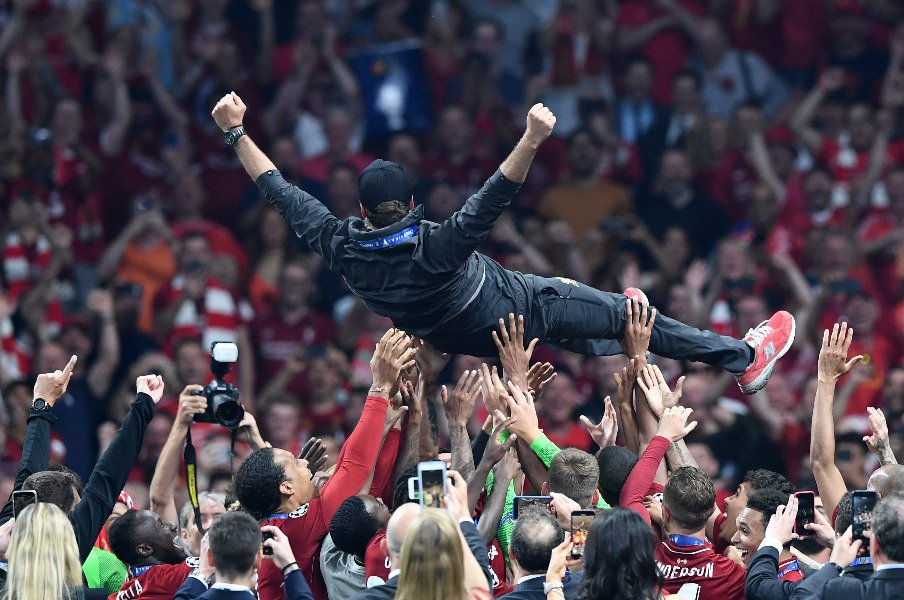 歓喜の「You'll Never Walk Alone」。リバプールCL制覇にクロップも万感。<Number Web> photograph by Getty Images