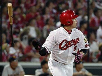 カープ丸佳浩が前例のない大化け。突然のHR量産でセの最強打者に。<Number Web> photograph by Kyodo News