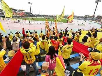 JリーグのFFP制度には特殊事情が?親会社、観客数、そして北九州。<Number Web> photograph by J.LEAGUE PHOTOS