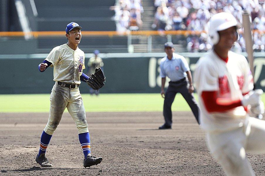 スポーツ紙で見る奥川恭伸の熱投。感動を呼んだ美談の説教と真相。<Number Web> photograph by Kyodo News