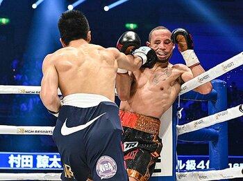 村田諒太は「我らがヒーロー」だ。変化の末に待っていた衝撃の2回KO。<Number Web> photograph by Hiroaki Yamaguchi