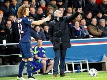 """モウリーニョが""""注文通り""""のドロー。PSG、またもチェルシーの守備に苦悩。<Number Web> photograph by AFLO"""