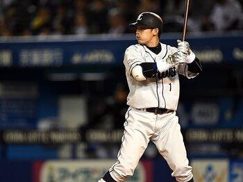 """2番は""""ゲームを動かせる打順""""。野球を変える「2番打者再考」論。<Number Web> photograph by Naoya Sanuki"""