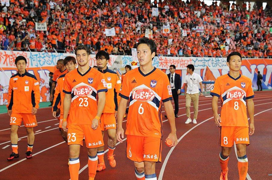 J1残留争い、今年のボーダーは?8勝と考えると新潟、大宮、甲府は。<Number Web> photograph by J.LEAGUE PHOTOS