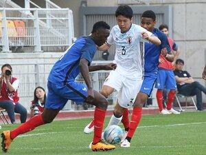 U-19代表がフランスに1-3完敗。ボランチ中山雄太は何を感じた?