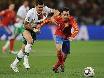 スペインがドイツに勝利する条件。「タイムマシンのスイッチを押せ」<Number Web> photograph by Getty Images