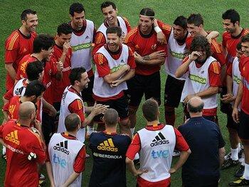チーム内の不協和音をついに一掃!!スペインは「進むべき道」を邁進中。<Number Web> photograph by Getty Images