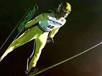 ルールに翻弄されるスキージャンプ。日の丸飛行隊を蘇らせた最新スーツ。<Number Web> photograph by KYODO