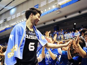 Bリーグ準々決勝のビッグショット。三河・比江島慎が天を指した理由。