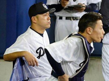 """初采配にして色濃く見えた""""谷繁流""""。「1点の野球」は強竜を甦らせるのか。<Number Web> photograph by KYODO"""