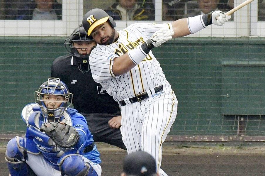 阪神の新外国人選手ロサリオの衝撃!ダンカンが目撃した恐るべきスイング。<Number Web> photograph by Kyodo News