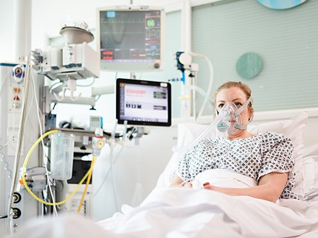 F1の開発力でコロナウイルスと戦う。休業中の技術者が医療現場に貢献。<Number Web> photograph by University College London