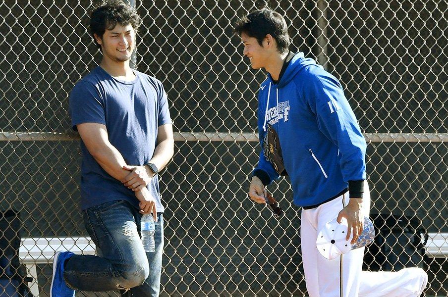 なぜ、球団は育てた選手を手放すか。その裏にある痛みと愛情と哲学とは。<Number Web> photograph by Kyodo News