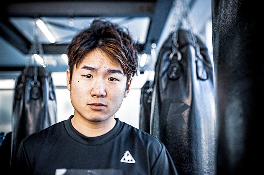 世界を7度防衛、でも威圧感はなし。拳四朗というボクサーの真の魅力。<Number Web> photograph by Toshiya Kondo