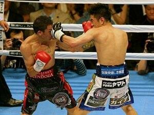 試合後に井岡一翔はなぜ涙を流した?3階級制覇の陰にあった焦りと重圧。