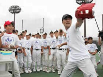 誰でも気軽に楽しめる、MLBイベントが初上陸。<Number Web> photograph by Hideki Sugiyama