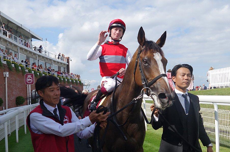 名手マーフィー騎手に導かれて。ディアドラ、初の海外GI制覇達成。<Number Web> photograph by Satoshi Hiramatsu