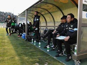 """""""喫煙は?""""と選手に聞いた就任時。反町監督と松本山雅の幸福な7年目。"""