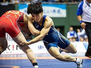 1勝1敗、次の勝負に五輪が懸かる。伊調馨と川井梨紗子の最終決着。