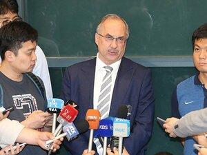 韓国代表の座は「毒を盛った杯」。恒例化した監督交代は何が原因か。