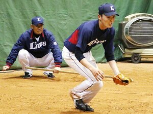 得意の守備も直され、打撃は大改革。西武・源田壮亮のショート獲り作戦。