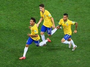 開幕戦で見えたブラジルの「死角」。ネイマール&オスカルのドリブル依存。