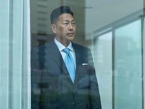 清原和博、独占告白2時間6分。笑みはなく、手は緊張で震えていた。
