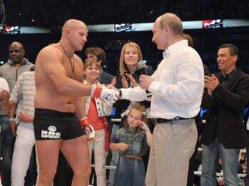 試合後には、プーチン大統領から競技普及への貢献を称えられた。